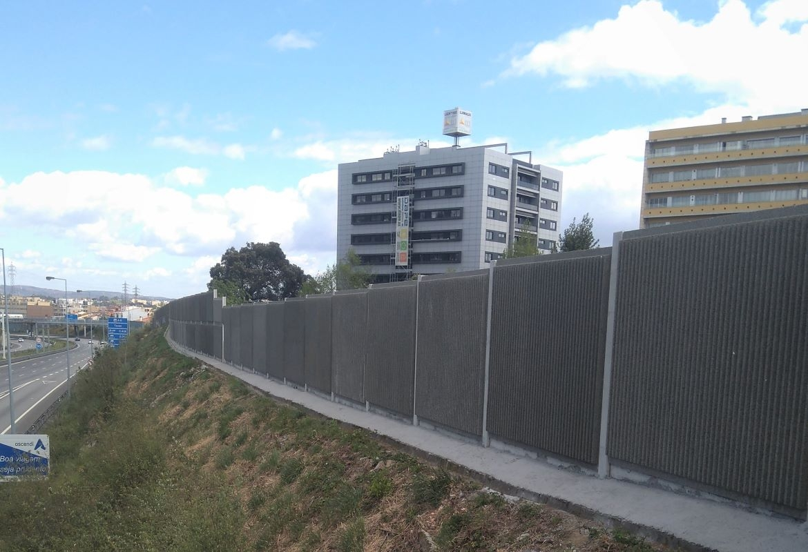 NOISE BARRIER FITTING ON THE GREATER OPORTO MOTORWAY CONCESSION (A4, A4-1 e A41), THE GREATER LISBON MOTORWAY CONCESSION (A16) AND BEIRA ALTA REGION MOTORWAY CONCESSION (A17 e A25)