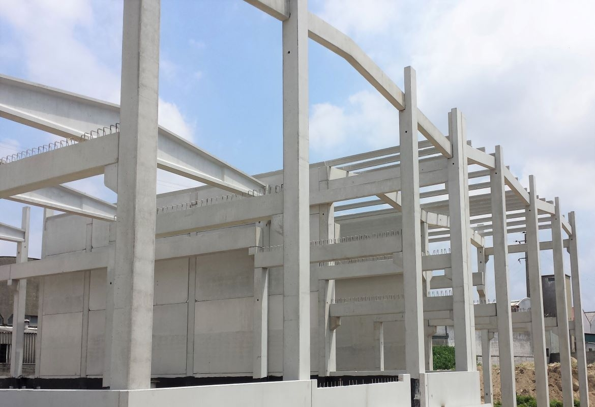 PREFABRICATED CONCRETE STRUCTURES FOR INDUSTRIAL BUILDINGS